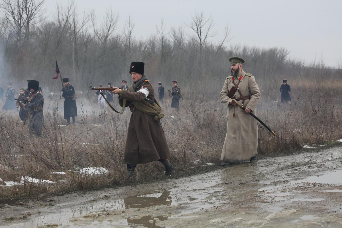 Реконструкция Бой отряда Черницова День третий- 0353