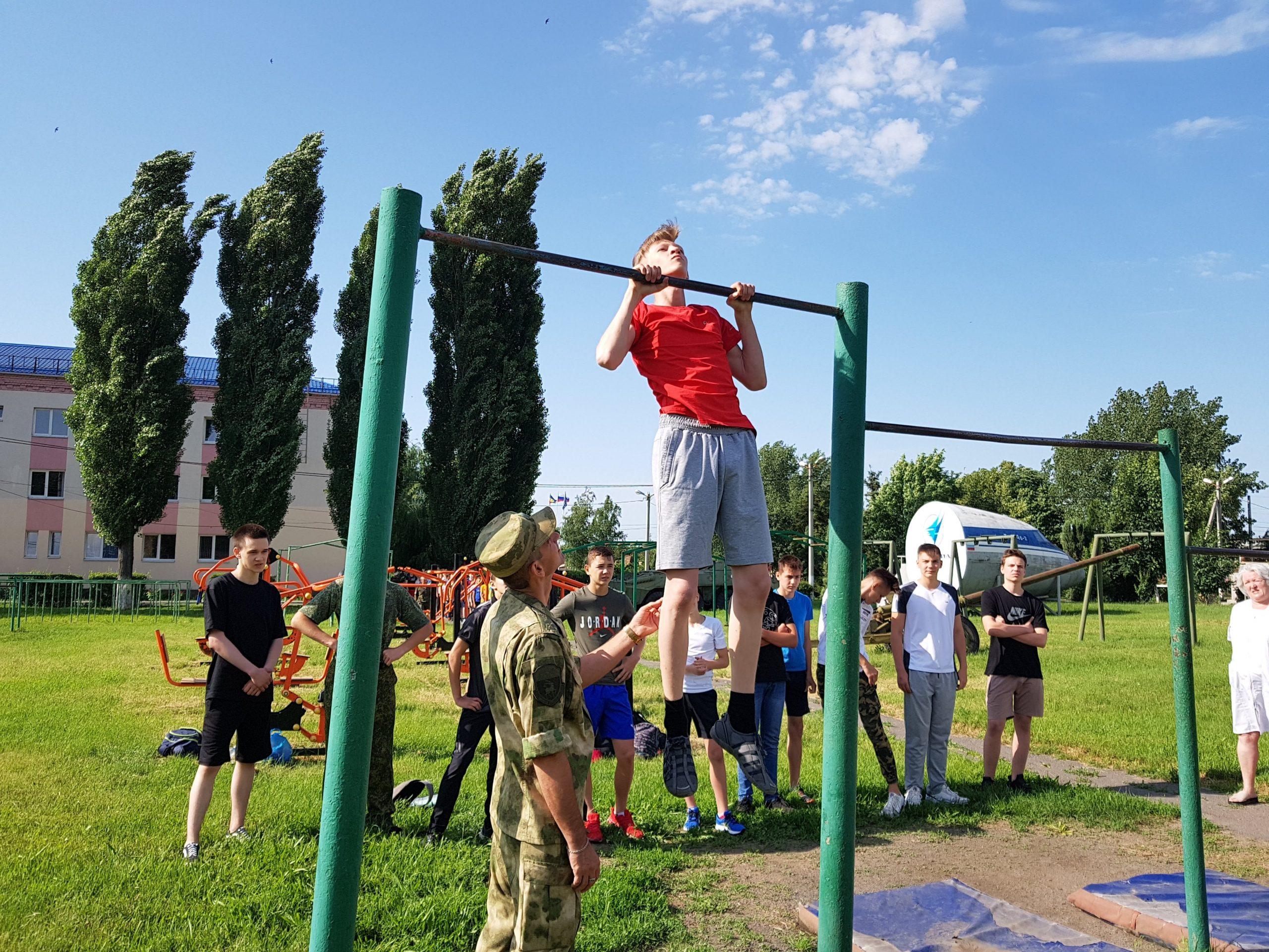 Прошли вступительные испытания в кадетский корпус