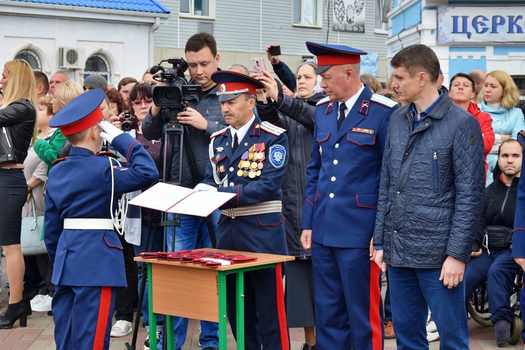 Учащиеся кадетского корпуса приняли  присягу и получили погоны