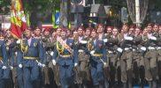 Победным маршем по главной улице города шли колонны участников парада